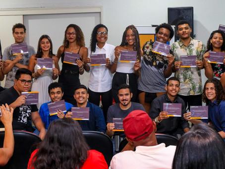 Jovens criam aplicativos com foco em SG e Niterói