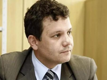 Delegado que atacou vigília 'Lula Livre' é encontrado morto na sede da Polícia Federal no RS