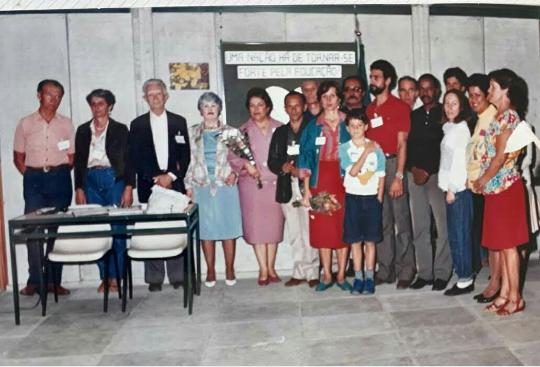 Membros da Associação de Moradores na inauguração do Ciep Getúlio Vargas, aquele que viria a ser o atual Colégio Vila Guarani/Foto: Acervo Família Fontoura