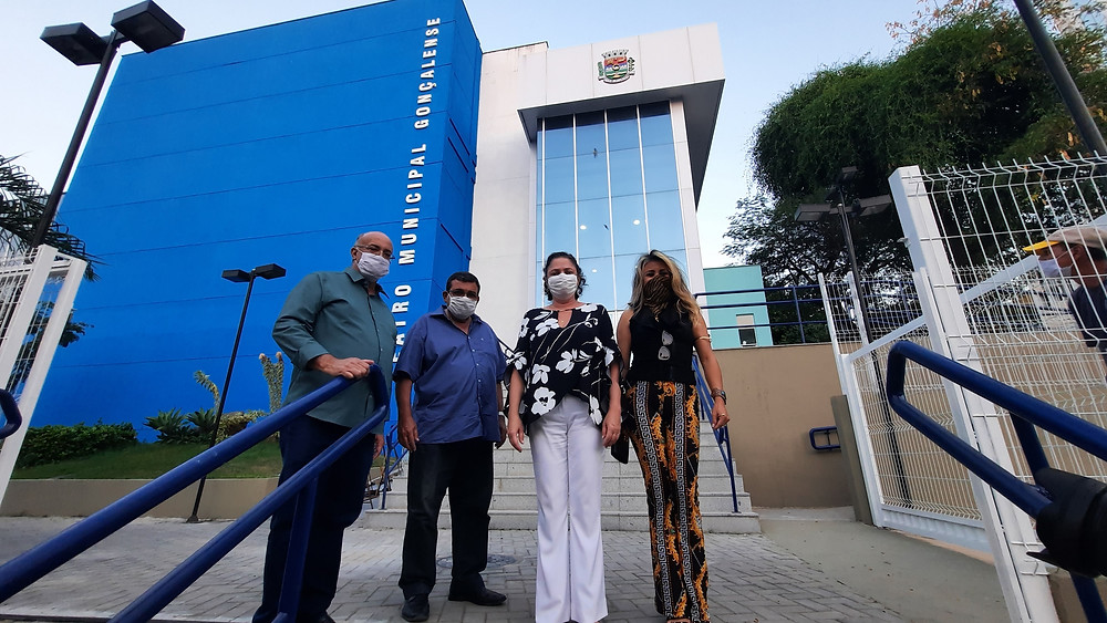 O prefeito José Luiz Nanci entregou oficialmente as chaves do equipamento à municipalidade, na figura do secretário de Turismo e Cultura, Carlos Ney/Foto: Divulgação