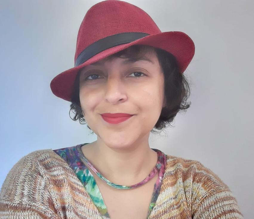 Clécia Oliveira e a arte como promotora de trocas e reflexões - por Regina Alves