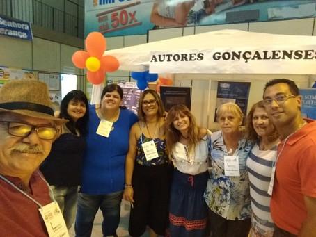 Educação reúne escritores gonçalenses em evento de incentivo à leitura
