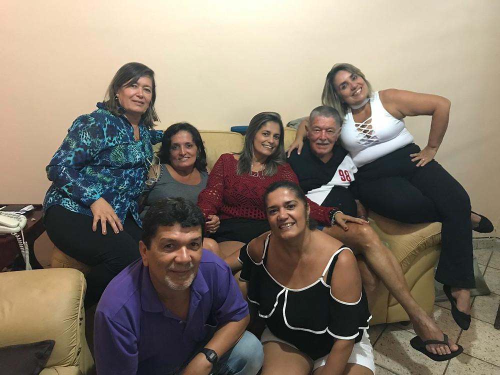 Sr. Narciso com a camisa do Vasco e seus filhos/Acervo pessoal