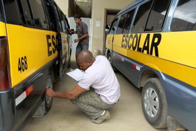 Vistoria de táxis, ônibus e transporte escolar suspensa em Niterói