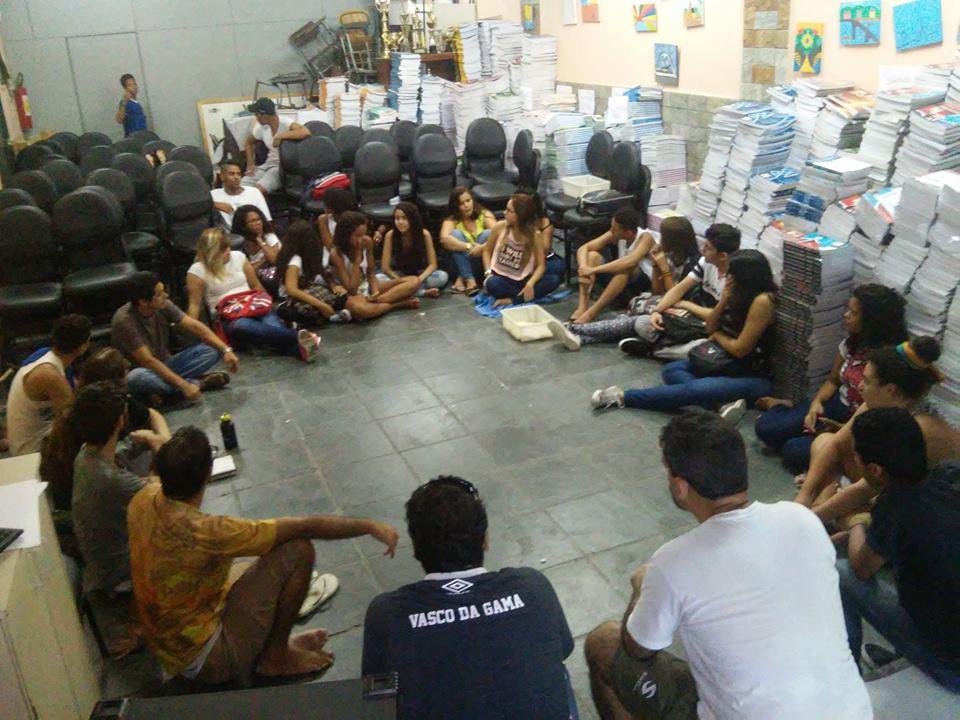 Reunião de avaliação dos estudantes