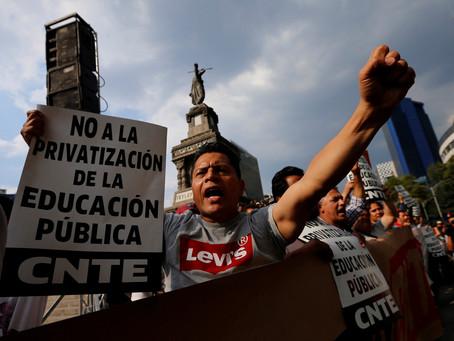 Para privatizar educação, polícia mexicana metralha professores