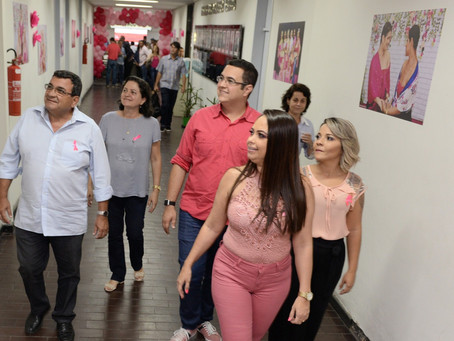 Exposição de fotos 'Unidas pela Vida' abre Outubro Rosa em SG