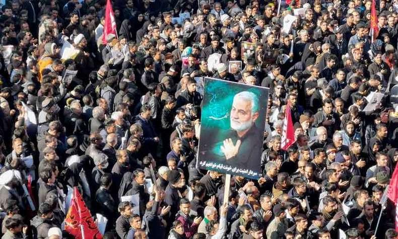 Milhões de iranianos acompanharam o cortejo do corpo do general Qassem Soleimani/Foto: Divulgação