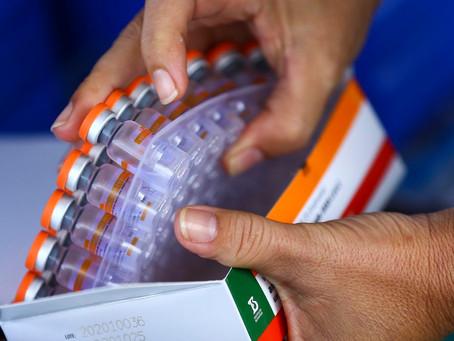 A Secretaria de Saúde do Estado distribui novas doses   de vacina contra Covid 19 aos 92 municípios