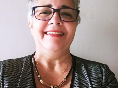 A arte, a poesia e o engajamento da baiana Zezé, por Regina Alves