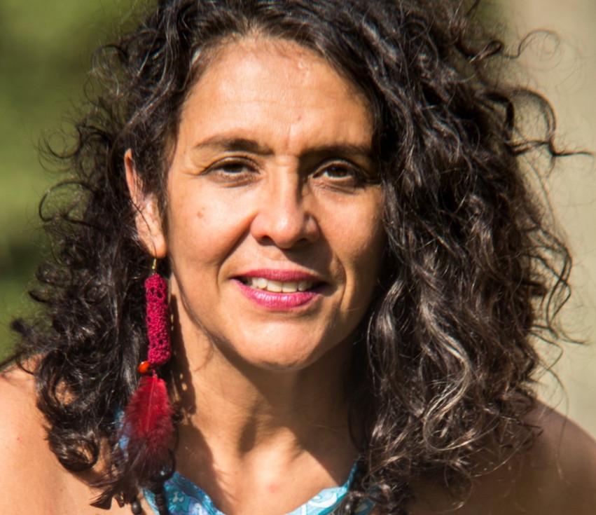 Anabel Andrés: 'A arte como coragem e compromisso' - por Regina Alves