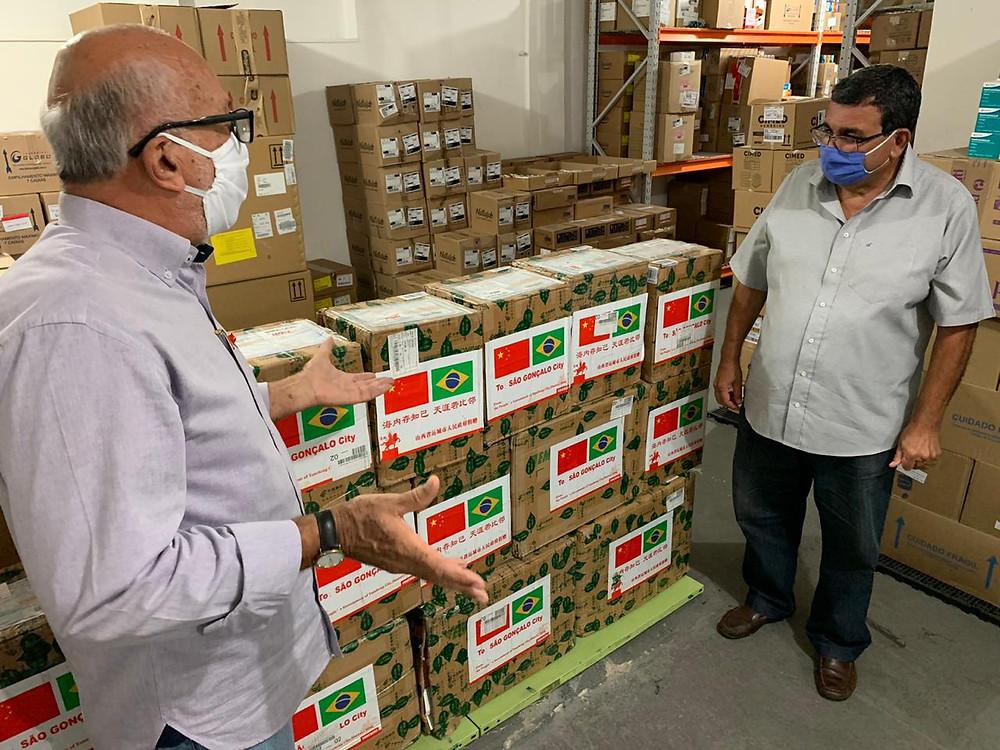 O prefeito José Luiz Nanci recebeu o carregamento pessoalmente/Foto: Divulgação