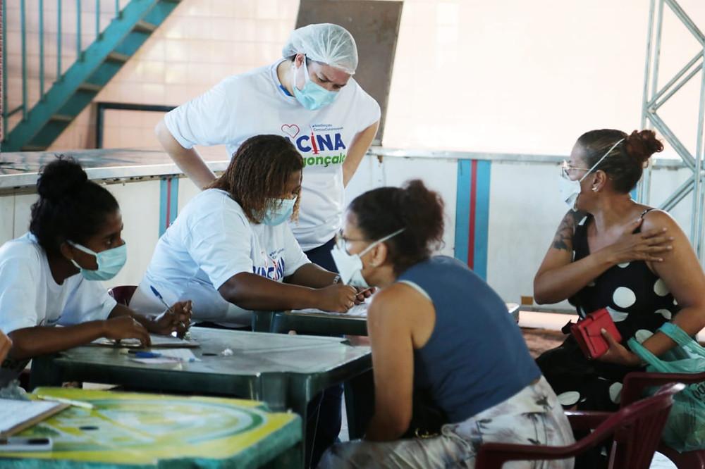 Aplicação da segunda dose ocorre no Clube Mauá/Foto: Divulgação