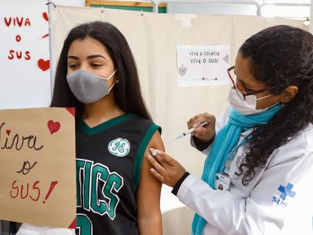 São Gonçalo vacina adolescentes a partir de 14 anos nesta quinta-feira