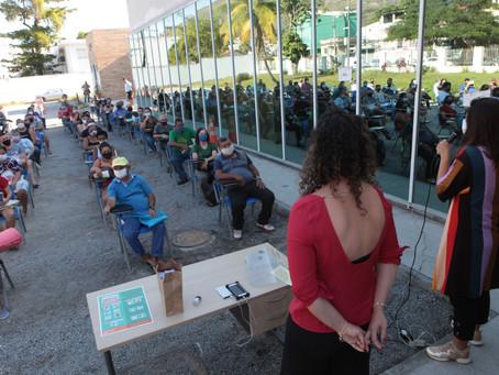 Ambulantes recebem orientações para retorno às atividades em Niterói