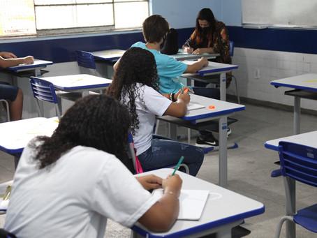 Profissionais da Educação entram no grupo prioritário de vacinação no estado do Rio