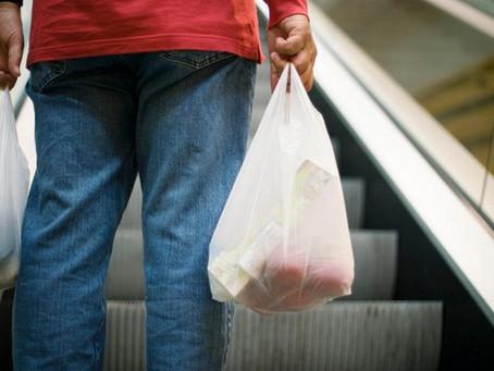 Sacolas plásticas descartáveis são banidas no RJ