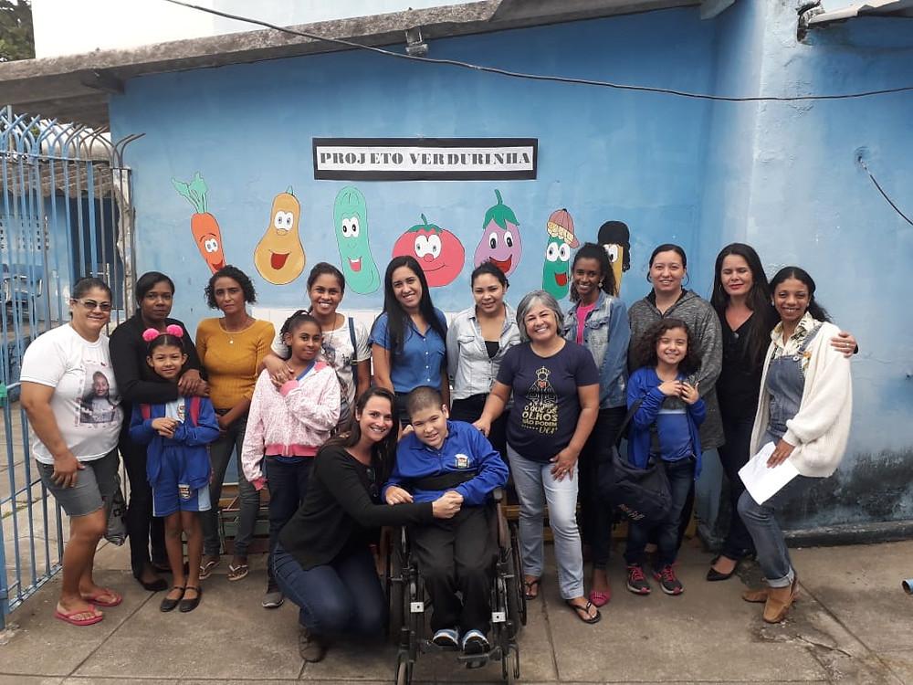Professores, alunos e familiares participaram/Foto: Divulgação