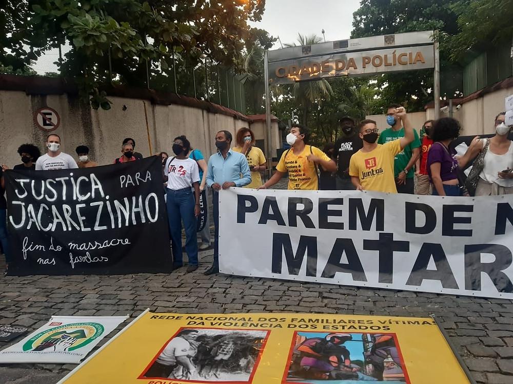 Pela manhã houve protestos contra a chacina no Jacarezinho/Foto: Facebook