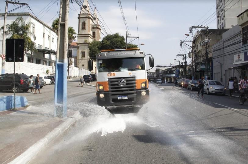 Caminhões da Clin fizeram sanitização a partir das fronteiras entre as duas cidades/Foto: Divulgação