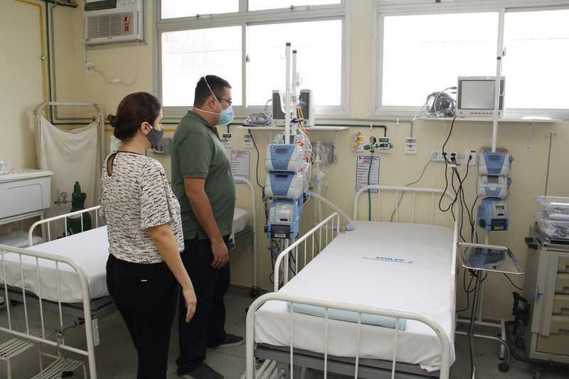 Secretário de Saúde Jefferson Antunes em vistoria no hospital Nossa Senhora das Graças/Foto: Divulgação