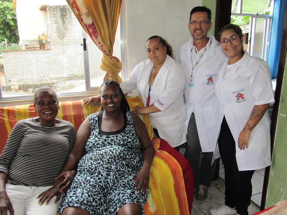 Maria das Graças é mãe da Débora Macedo, que usa o serviço/Foto: Divulgação