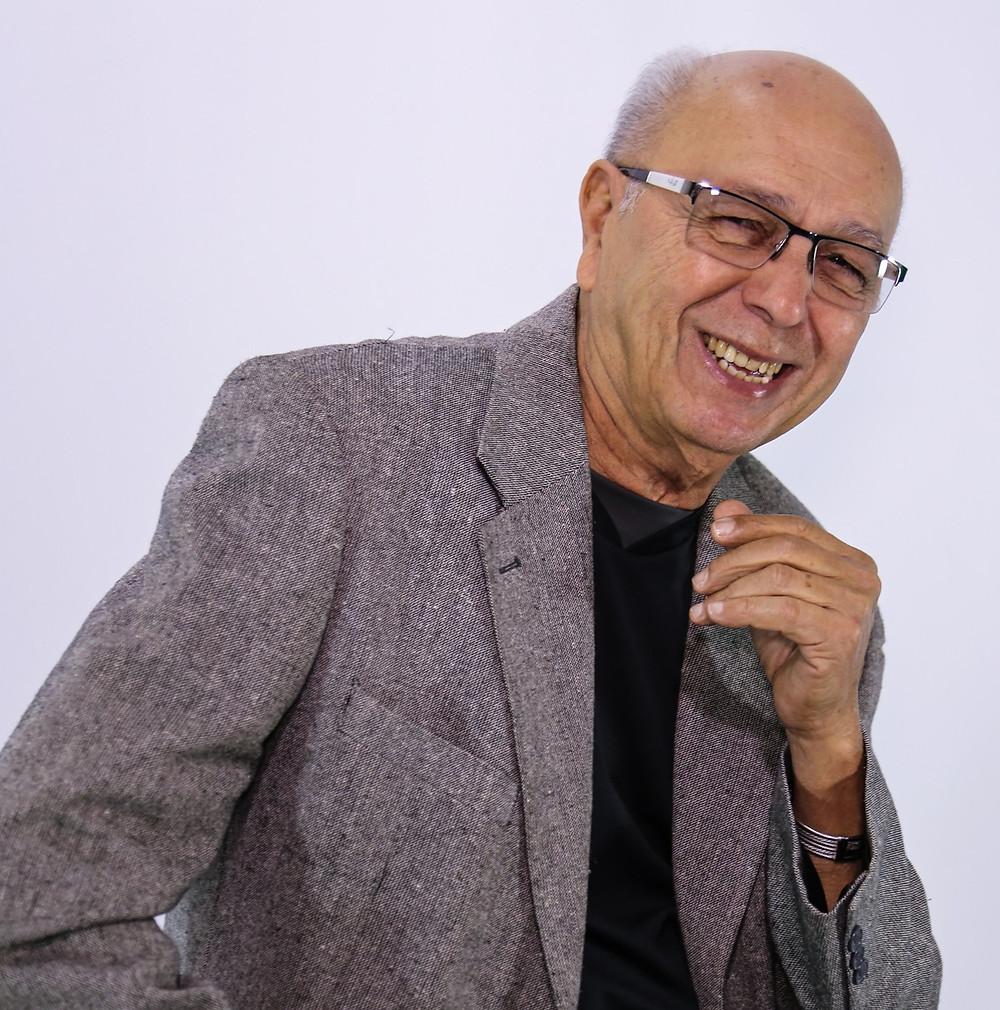 Ele, J. Sobrinho