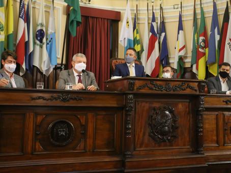 Niterói firma compromisso para fortalecer agenda climática
