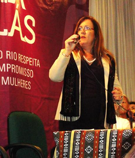 Ela, Marisa Chaves