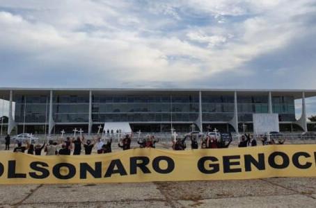 Passeatas de Bolsonaro são mais abomináveis que homenagem a Ustra, por Mário Lima Jr.