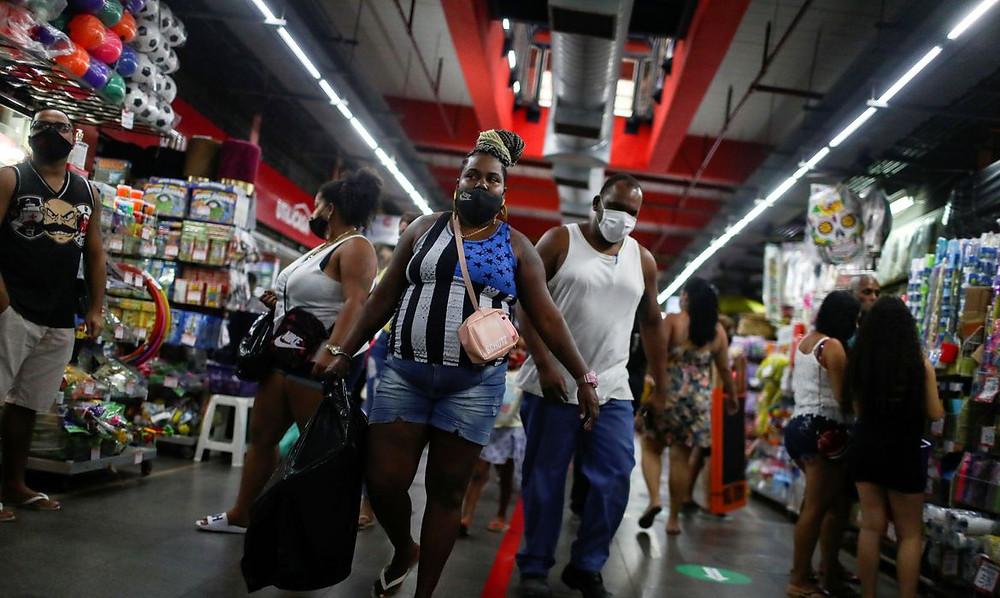 Medidas de reabertura fizeram números de casos aumentar/Foto: Agência Brasil