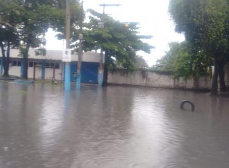 Chuvas castigam São Gonçalo no dia do seu aniversário