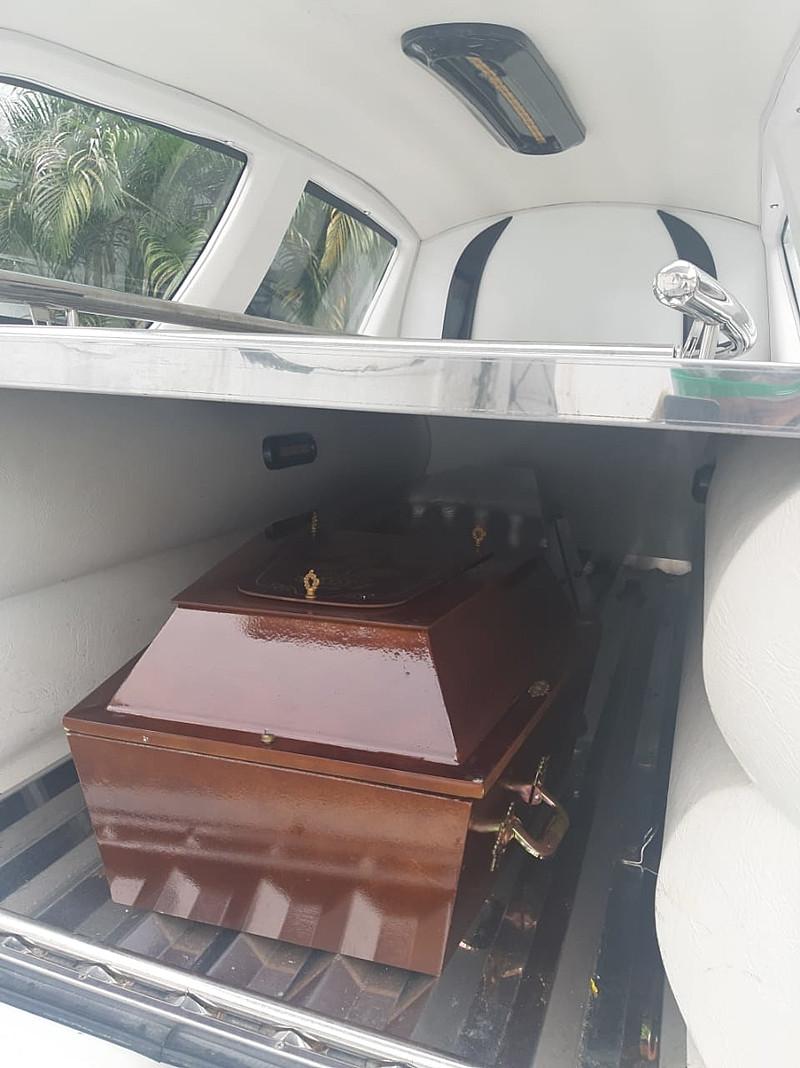 Na foto, é possível visualizar como deve ser equipado um carro funerário / Arquivo pessoal