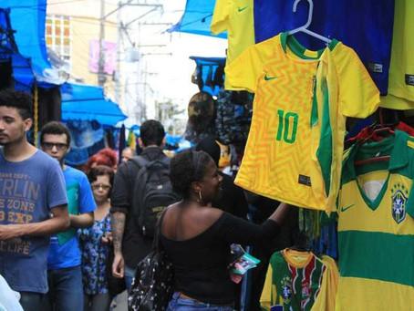 'Verde e Amarelo' não empolgam em mercado popular do Alcântara