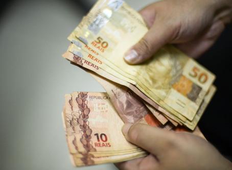 Projeto no Congresso prevê taxar ricos para pagar R$ 600 a todos