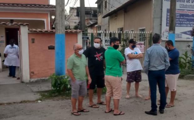 Moradores se reuniram com o vice-prefeito Ricardo Pericar, que prometeu pedir a instalação de u semáforo no local/Foto: Divulgação