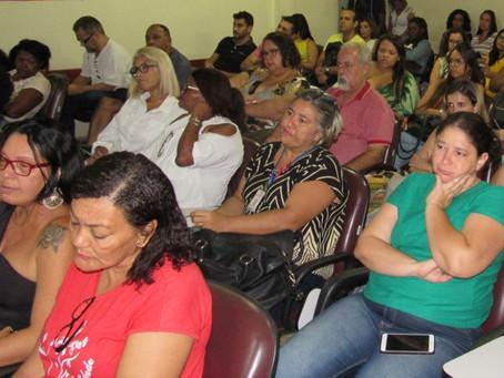 Mulheres vítimas de violência no foco de fórum sobre saúde mental