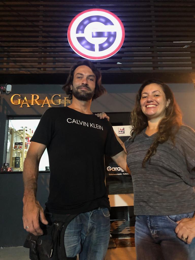 Raul Guedes e Francimary Façanha, empreendedores do Garage Park/Foto: Romulo Narducci