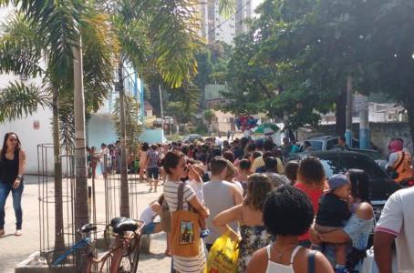 Três horas de espera pra ser vacinado em Alcântara, por Mário Lima Jr.