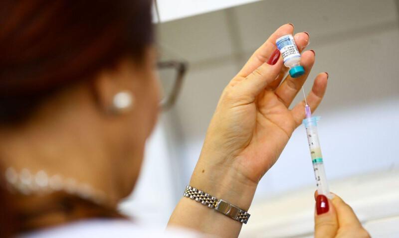 Idosos e trabalhadores da saúde serão os primeiros vacinados/Foto: Divulgação