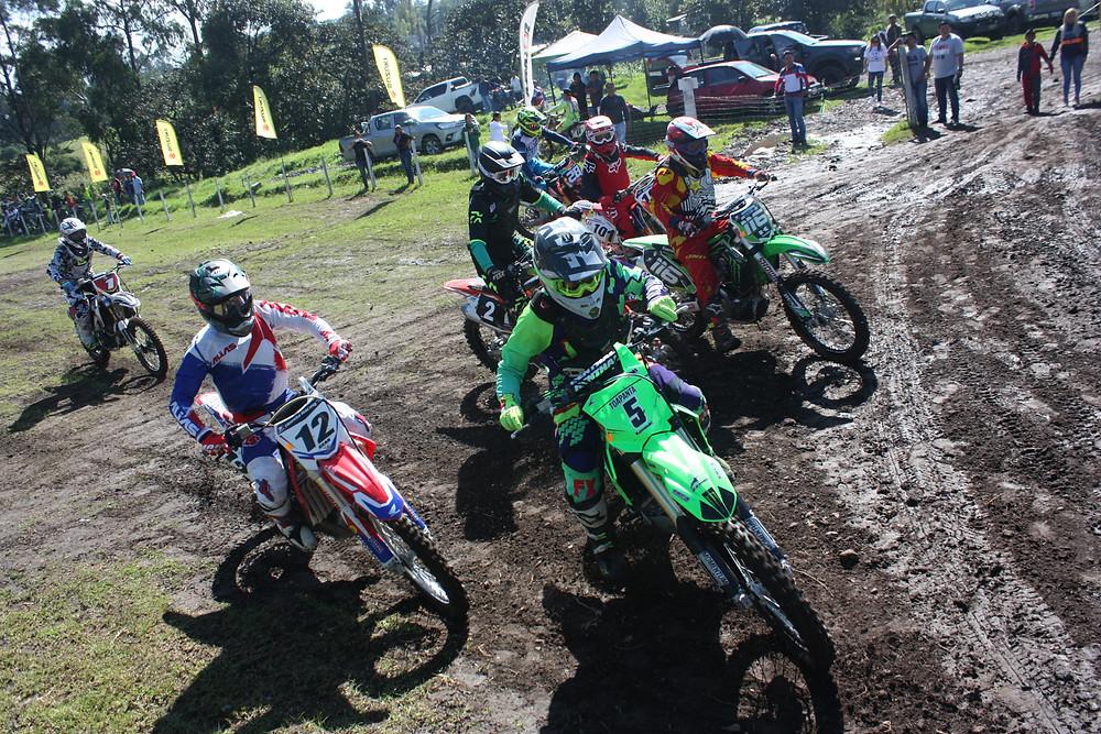Carreras en la Provincia de Pichincha, pista Suzuki.