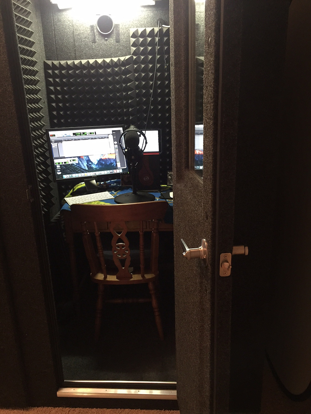 Sound Proof Whisper Room Booth