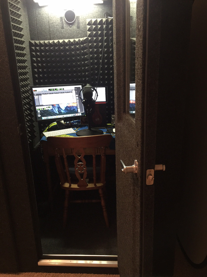 SOUND PROOF BOOTH                           OR HOME STUDIO?