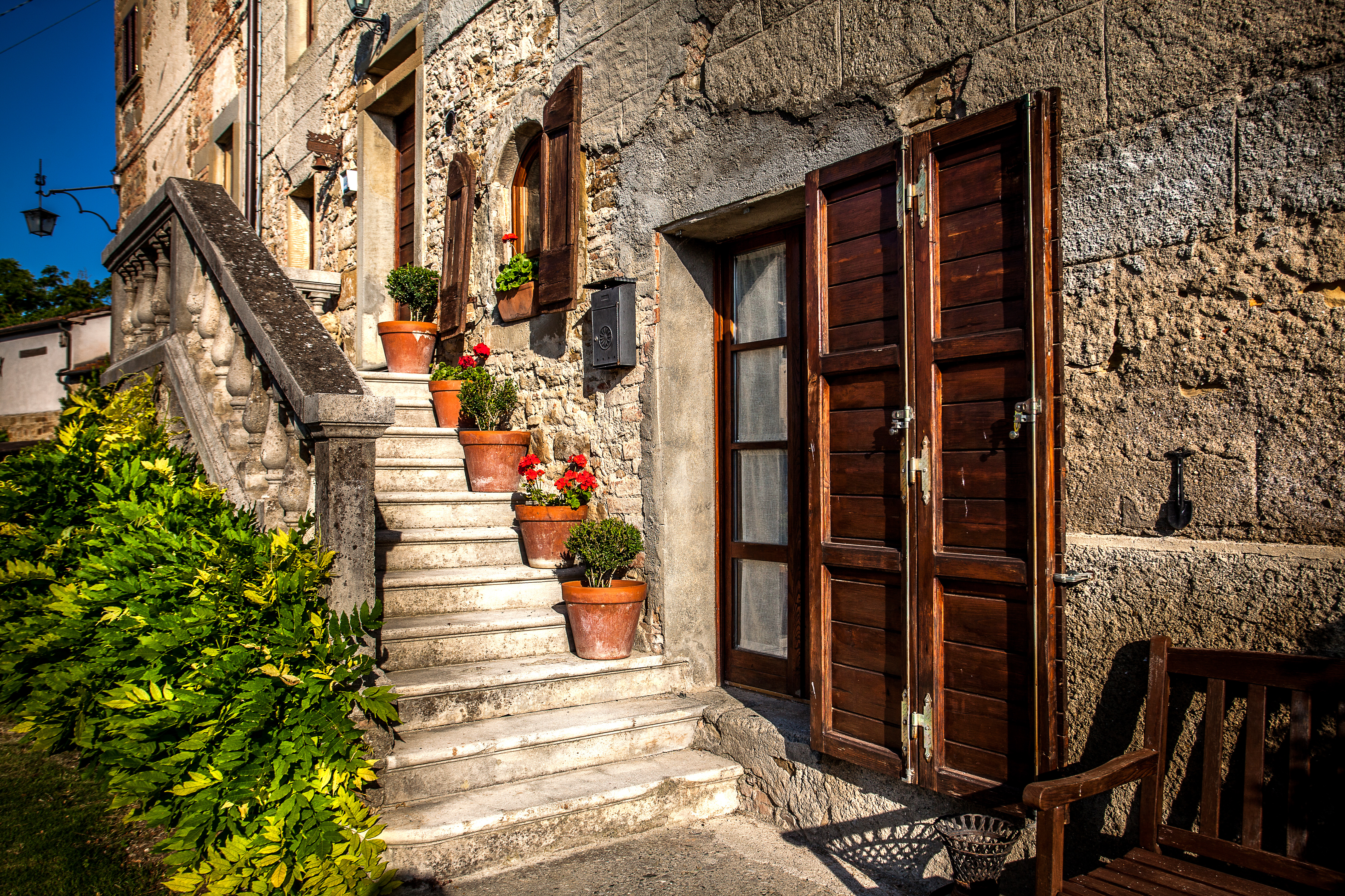 Casa Leana - Front Steps