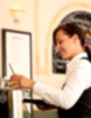 waitress-2376728_1920-768x547.jpg