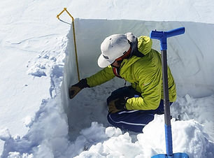 Learning how to evaluate the snowpack.
