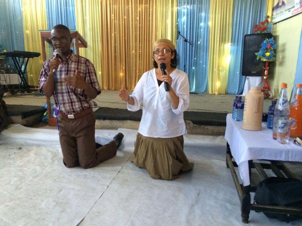 Aida Clancy_Kenyan church