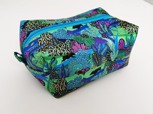 Wild hog washbag
