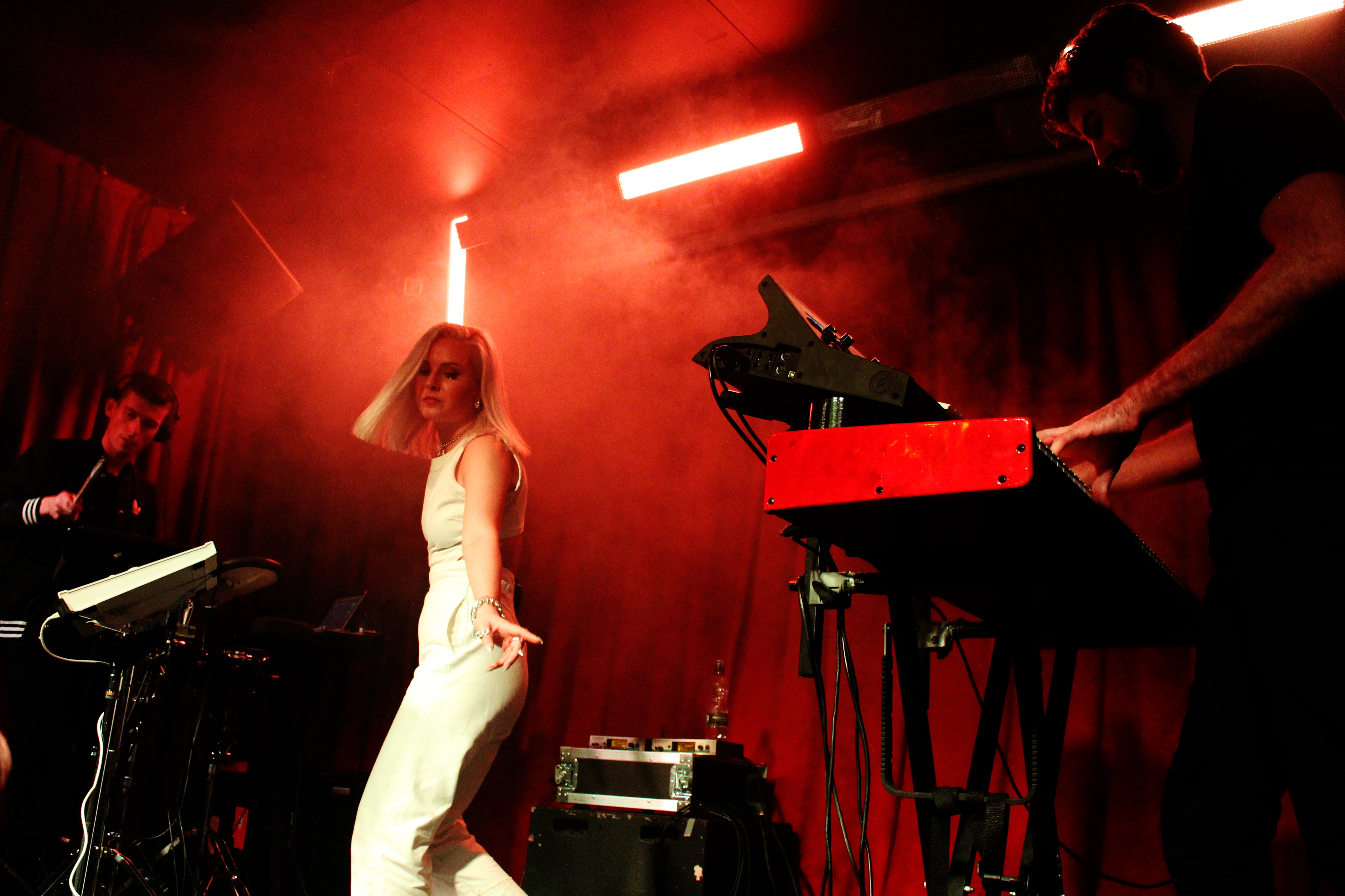Shannon Saunders, Hoxton Square Bar