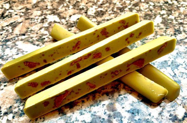 Chocolate  Sticks  Matcha Tea Leche Almendras Frutas y Frutos secos x 75 grs